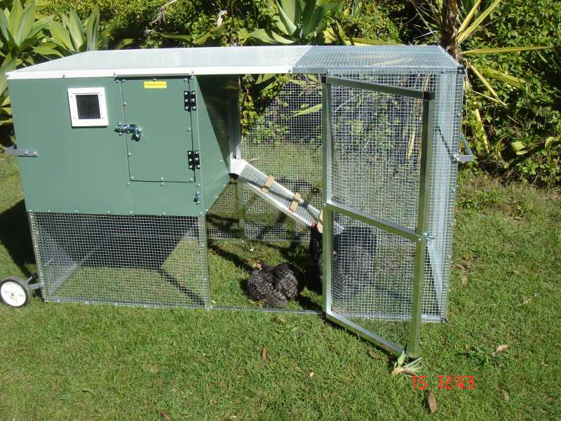 SOUTHPORT SHOWPLACE CHOOK MOWERS | PET ENCLOSURES | QLD :: The Pet Directory